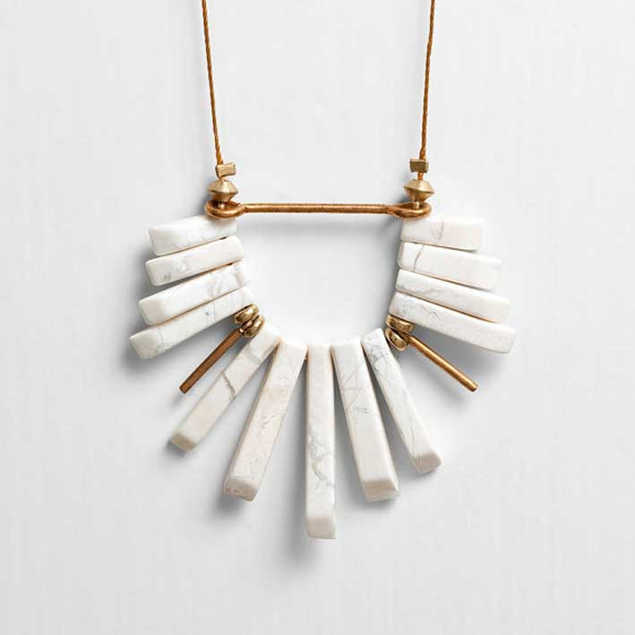 7-White-Howlite-Fan-Cord-Necklace-with-Brass-Accents-€23,21