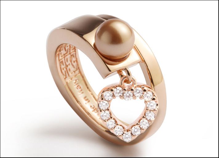 Trilogy MyWorld, anello in bronzo dorato con cuore in zirconi e perla in bronzo