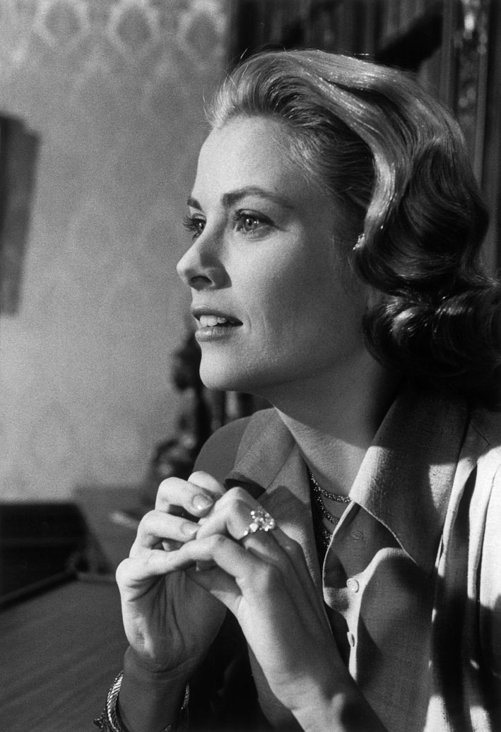Grace Kelly con l'anello di diamanti taglio smeraldo