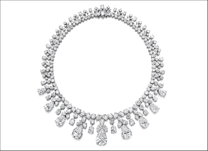 Collana di diamanti firmata Harry Winston. Stima: 5,4-6,1 milioni di dollari