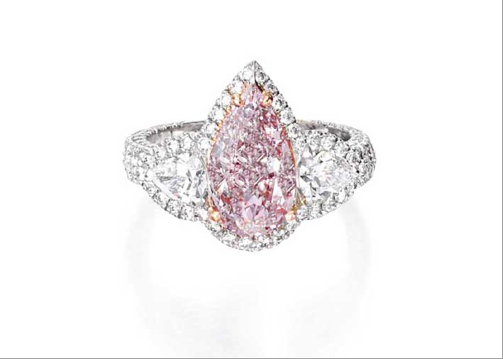 Anello con diamante fancy pink-purple