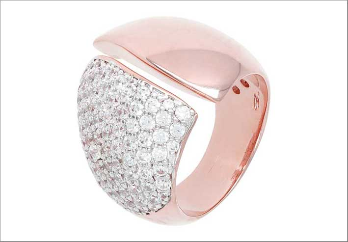 Altissima shiny ring with cubic zirconia. Prezzo: 129 euro