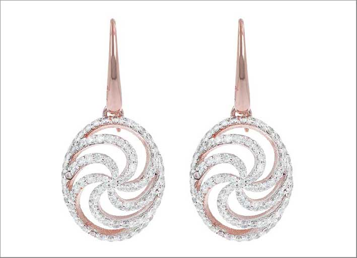 Altissima whirls fancy pave earrings. Prezzo: 139 euro