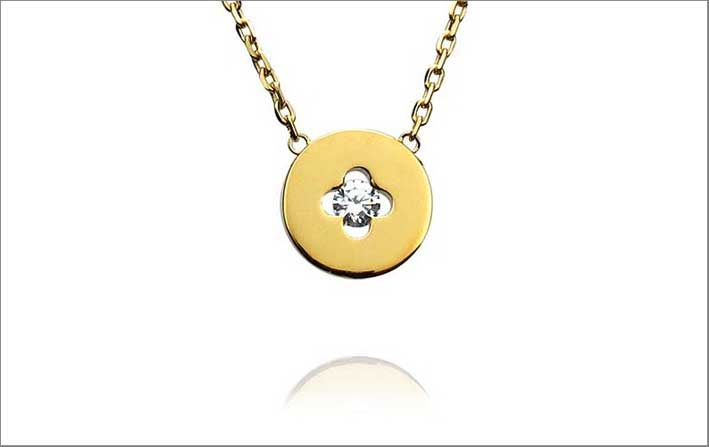 Collier con pendente Royale, in oro e diamante. Prezzo: 1520 euro