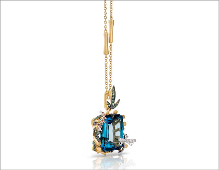 Necklace in satin yellow gold with colourless diamonds, blue topaz, tsavorite and orange sapphires