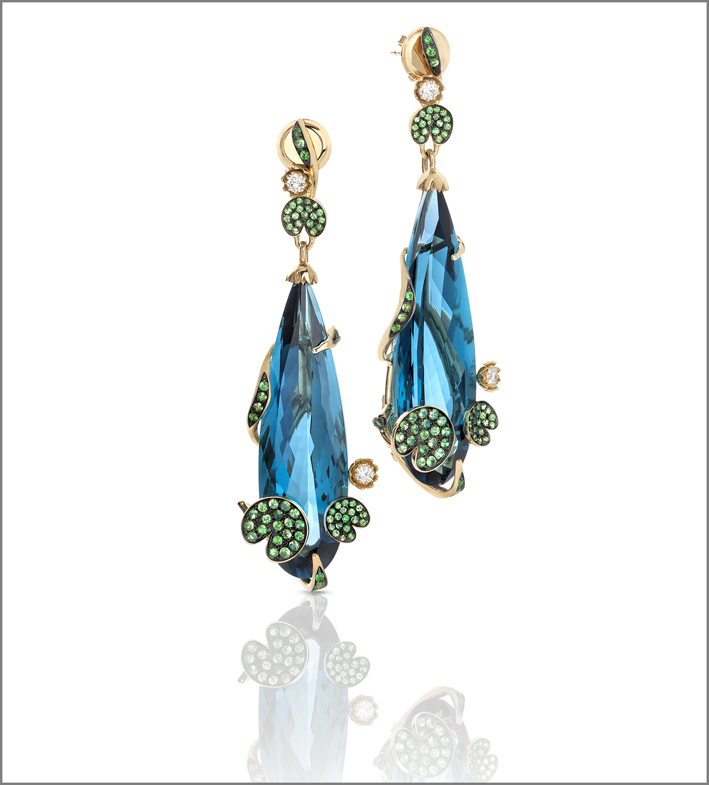 Yellow gold earrings with london blue topaz, natural green garnet and white diamonds