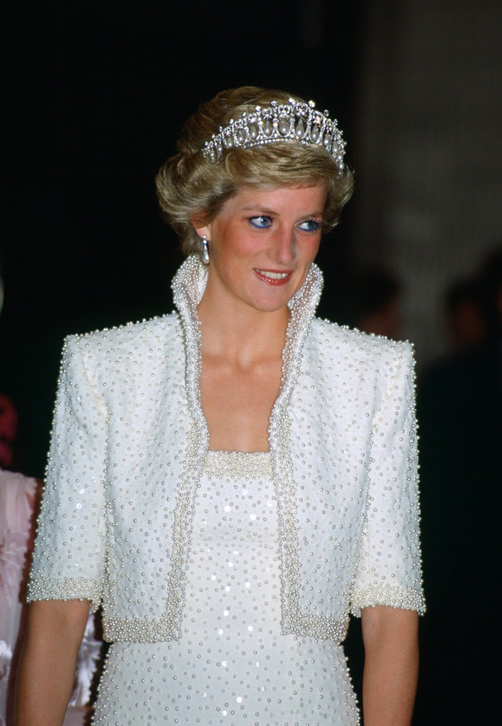 Diana con la tiara Cambridge Lover's Knot