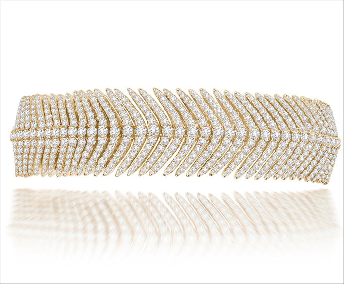 Flexible Feather Collection, versione in oro giallo e diamanti. Prezzo: 30.000 dollari