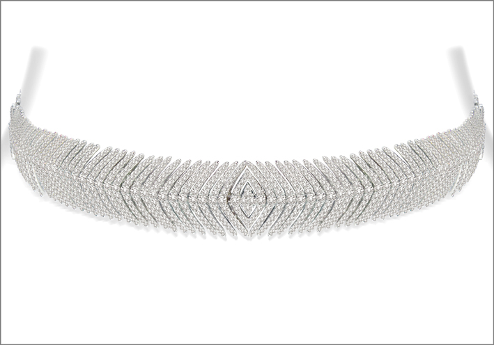 Chocker della Flexible Feather Collection in oro bianco e diamanti bianchi. Prezzo: 40.000 dollari