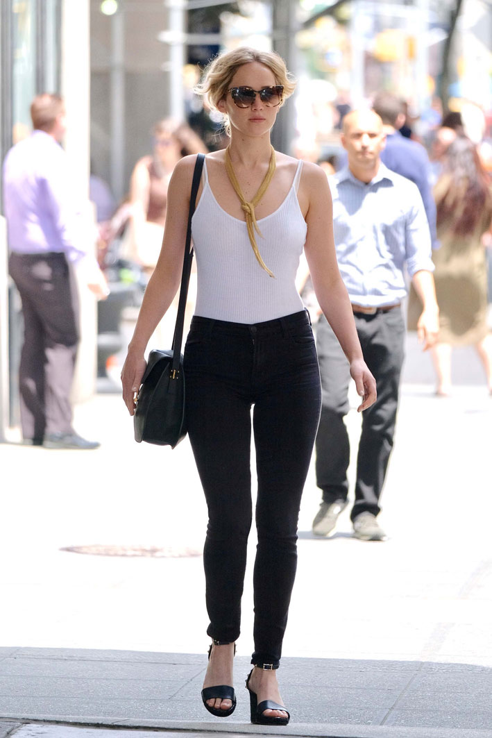 Jennifer Lawrence a New York con Il collier Mesh di Elsa Peretti