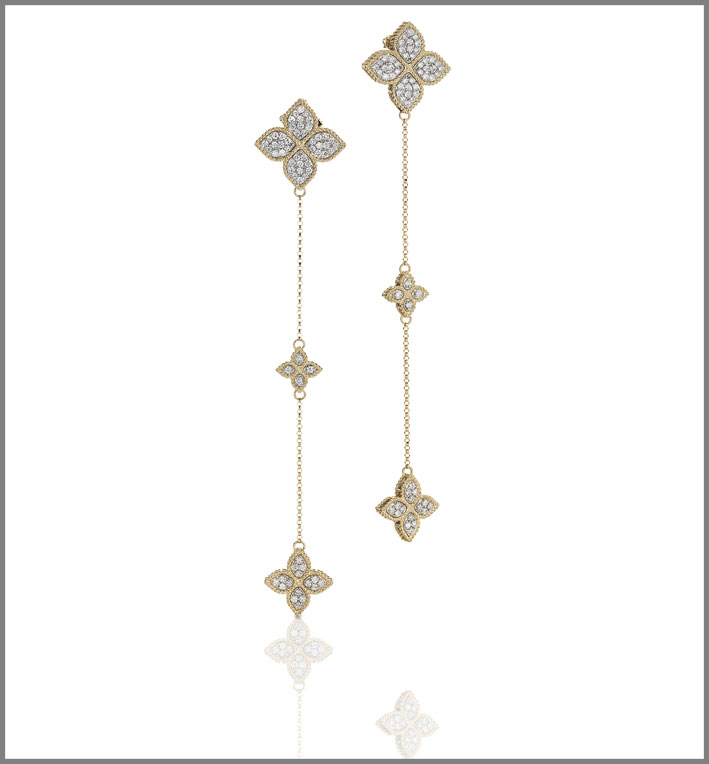 Yellow gold long earrings with diamonds