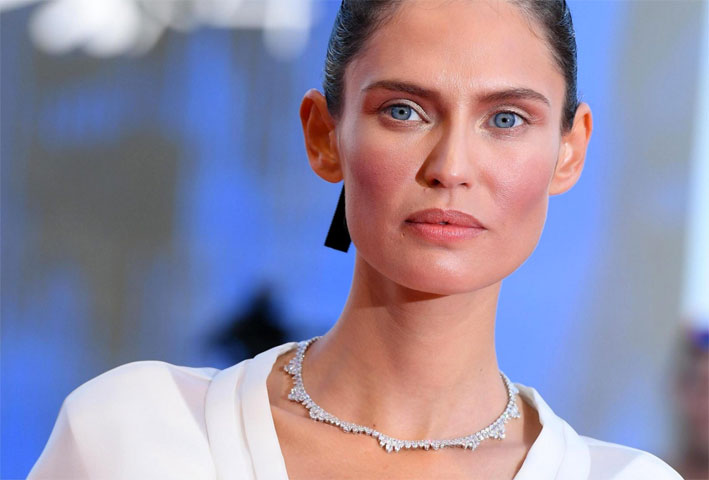 Bianca Balti con collana di diamanti Chopard