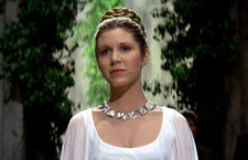 Carrie Fisher con la collana Planetoid Valley