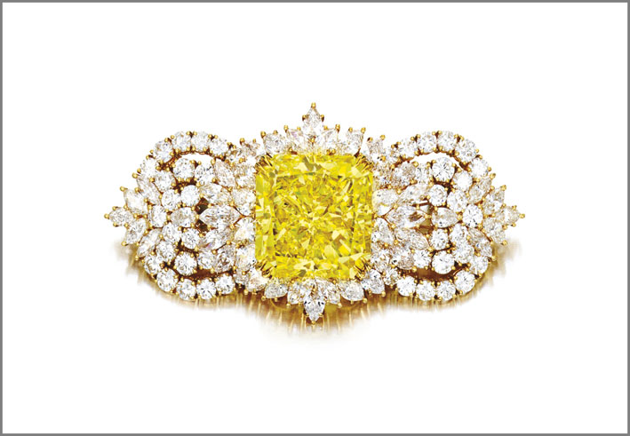 Spilla con diamante fancy yellow e diamanti bianchi