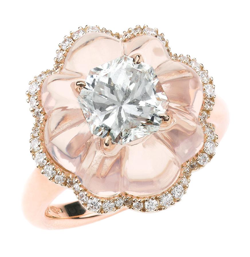 Anello della collezione Inlay, oro rosa, quarzo rosa e diamanti
