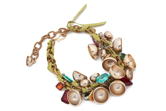 Stella Jean, collana con oro, campane e pietre: Prezzo: 364 euro