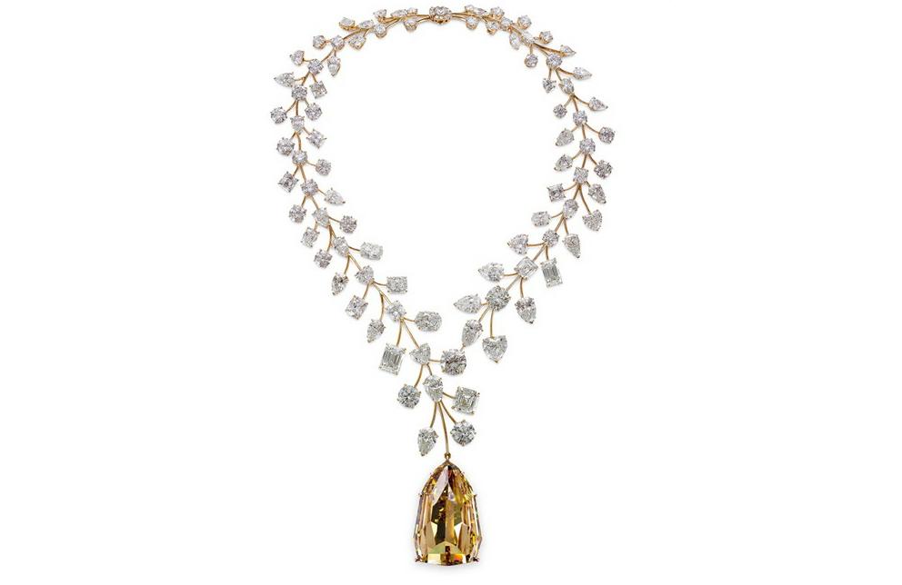 La collana di diamanti sui cui è montato l'Incomparable