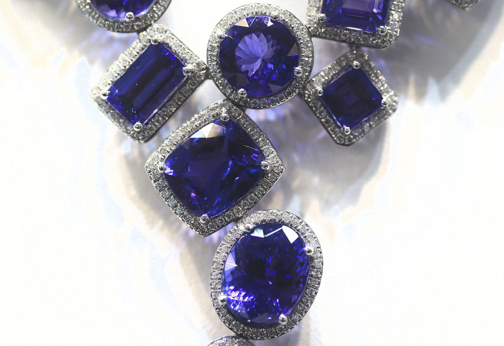 Collana di tanzanite e diamanti