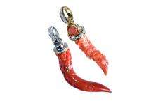 Corni di corallo rosso, gioielli portafortuna