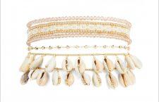 bracciale con conchiglie di ciprea e chiusura magnetica in oro