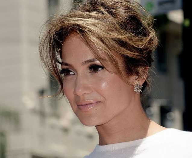 Orecchini a stella per Jennifer Lopez