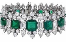 Bracciale di Bulgari, con diamanti e smeraldi, appartenuto a Elizabeth Taylor