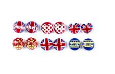 Set orecchini perlati in perfetto stile British. Prezzo:  6,95 euro