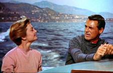 Una scena di Caccia al ladro, di Alfred Hitchcock, con Cary Grant e Grace Kelly