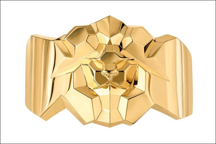 Chanel, bracciale leone in oro