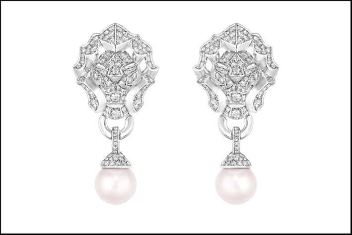 Orecchini in oro bianco, diamanti e perle