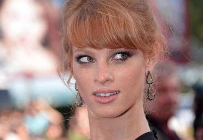 Gli orecchini dell'attrice israeliana Yuval Scharf