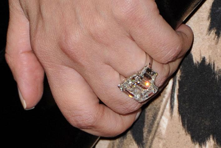 L'anello visto da vicino