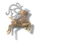 Spilla renna in argento placcato oro giallo e zirconi colorati. Prezzo: 918 euro