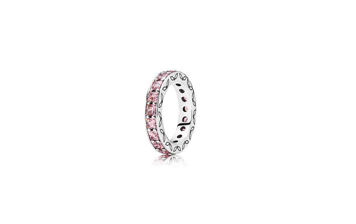Anello in argento Sterling con zirconia cubica rosa. Prezzo: 129 euro