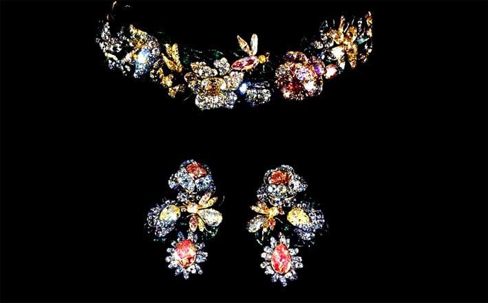 Diadema e orecchini
