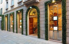 La boutique Tiffany di via Spiga, a Milano