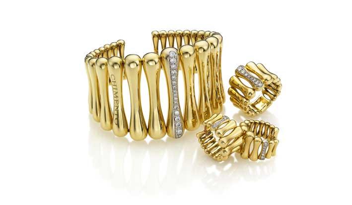Chimento, collezione Bamboo Over, composta da bracciale, orecchini e anello. Oro giallo con diamanti bianchi