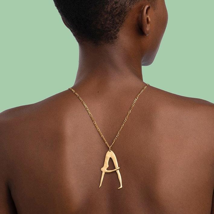 Collana della collezione alfabeto