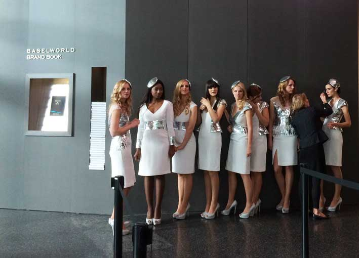 Le hostess di Baselworld in posa per Gioiellis.com