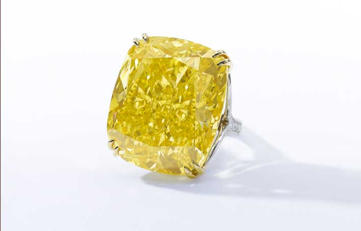 Collezione privata: The Graff Vivid Yellow. Raro diamante giallo firmato Graff. Stima:  fino a 22 milioni di euro