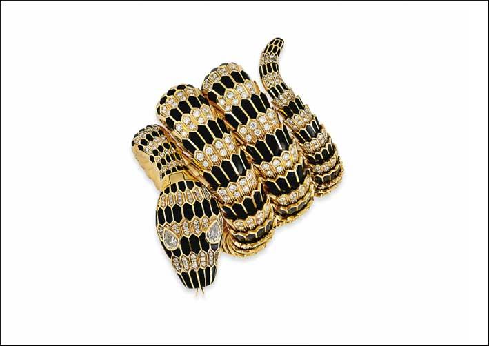Bracciale-orologio a forma di serpente, con oro, diamanti e smalto della metà degli anni Sessanta. Venduto a 1,1 milioni di dollari
