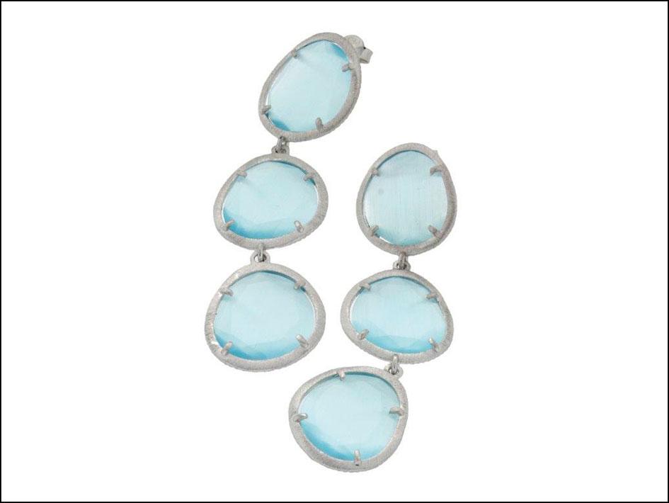Orecchini in argento con pietre occhio di gatto. Prezzo: 89 euro