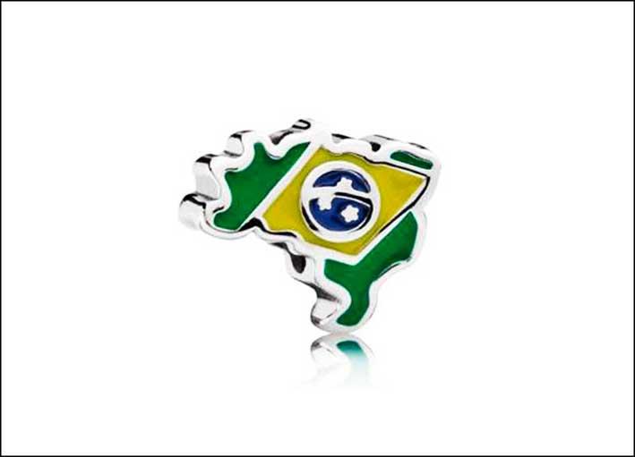 Pandora: charm Brasile in argento Sterling e smalto. Prezzo: 49 euro