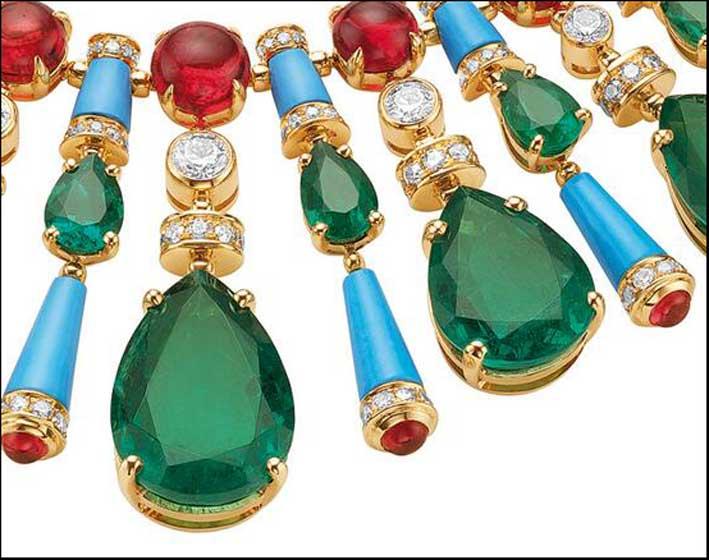 La nuova collana con smeraldi, ametiste e tormalina di Bulgari