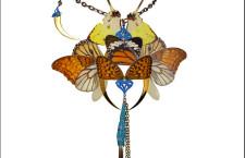 Harem Royal: collana Oberon tra ingegneria e natura con farfalle e libellule
