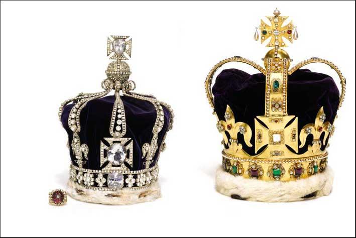 Le copie della corona di St. Edward e della Queen Mary's Crown