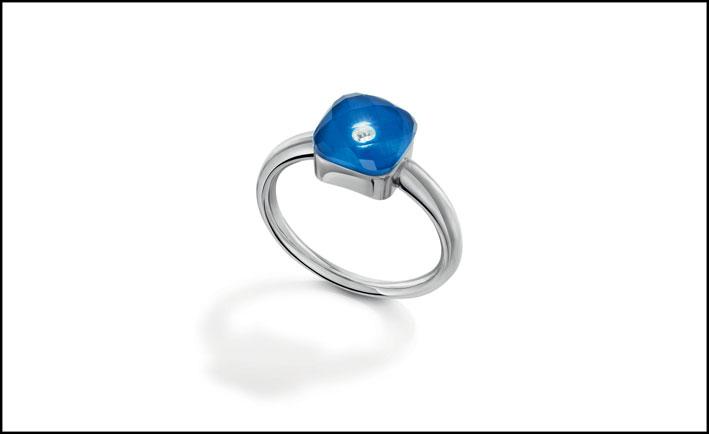Meissen, anello in oro bianco, ceramica e diamante. Prezzo: 1.650 euro