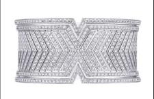 Bracciale della collezione Acte V, oro bianco e diamanti