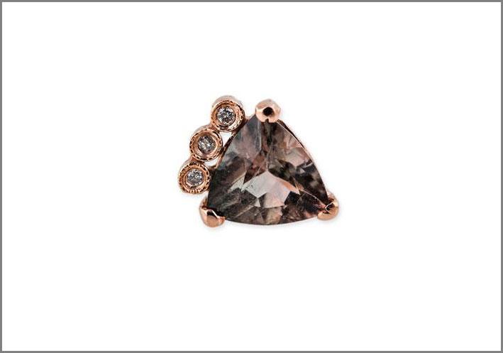 Orecchino con tormalina triangolare e diamanti