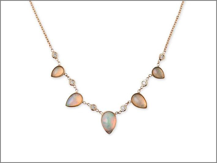 Collana con opali e diamanti
